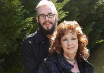 Любви все возрасты покорны: 19-летний парень и его 72-летняя жена