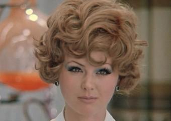 Косметика наших мам: чем красились красавицы из СССР