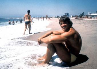 Архивные фото знаменитостей на пляже, которые никто не видел!