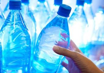 7 причин никогда больше не пить воду в бутылках