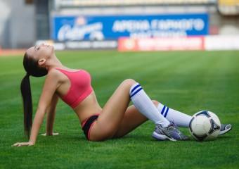 Самые красивые жёны футболистов: 20 фото