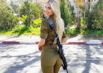 Вооружены красотой: 25 фото красавиц, служащих в армии Израиля