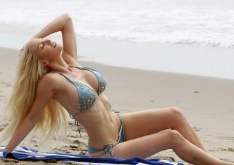 30 самых горячих красоток на пляже